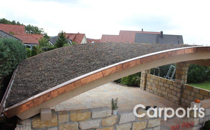 Carport Mediterran mit Dachbegrünung