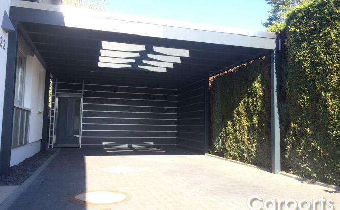 Carport HPL Trespa mit Abstellraum und Lichkuppel