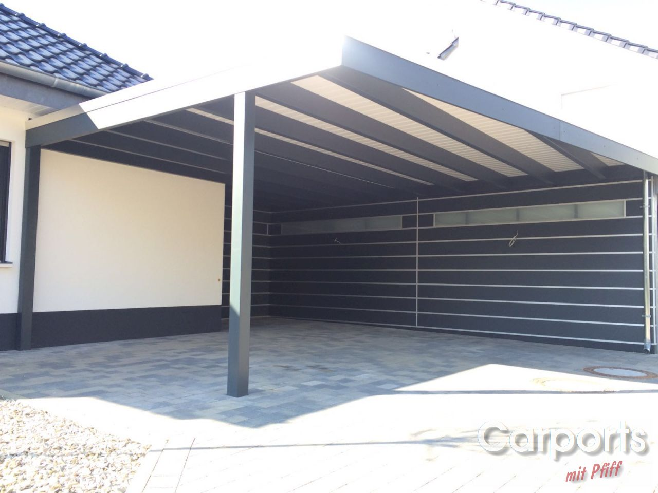carport bauhaus hpl mit abstellraum und seitenwand carports mit pfiff. Black Bedroom Furniture Sets. Home Design Ideas